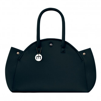 The black Indomptable handbag, descrete and classic. What more...