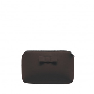 The brown Secrete pouch, elegant and discrete at once
